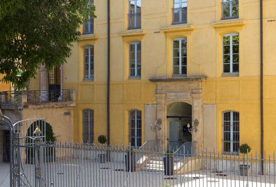 Entrée du resort des spa Thermes Sextius à Aix en Provence