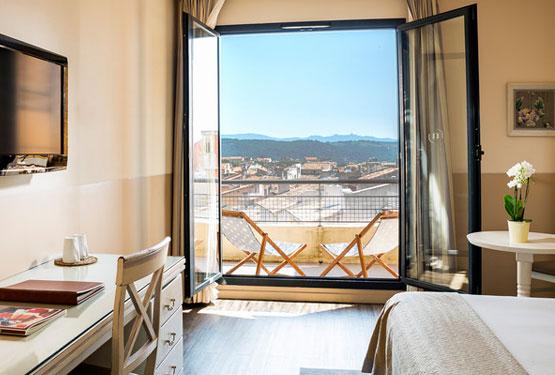 Chambre de l'Hôtel Aquabella, avec vue panoramique sur Aix en Provence